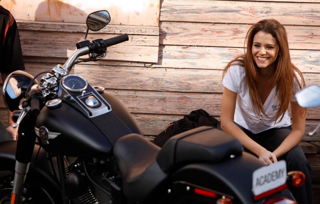 Motorrad sie sucht ihn